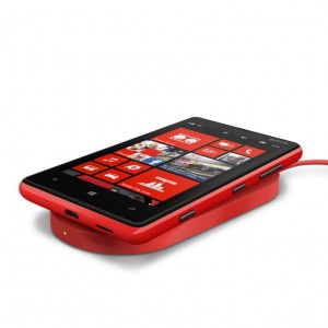 700-nokia-wireless-charging-plate-dt-900-with-nokia-lumia-8201