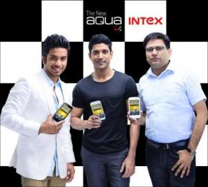 Farhan Akhtar with Intex Aqua i-5