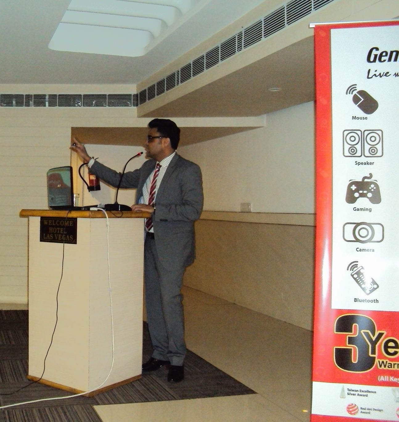 Mr Gaurav Mathur Country Head (India) Genius addressing the dealers in Japur