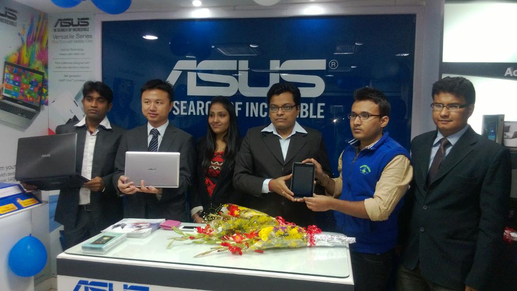 Mr. Peter Chang, Regional Head - South Asia, Country Manager - System Business Group, ASUS India  inaugurating  stores in Ranchi