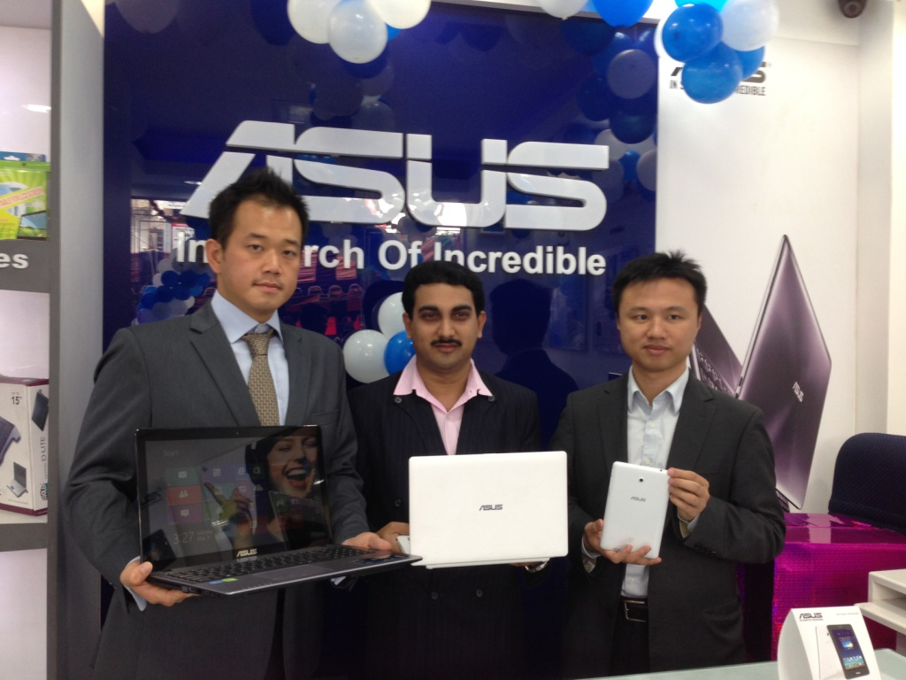 Mr. Peter Chang, Regional Head - South Asia, Country Manager - System Business Group, ASUS India launching 100th Store in Coimbatore