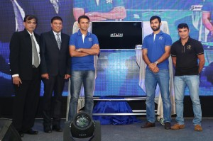 L to R - Hasmukh Gada, Co-founder & Director at Mitashi, Rakesh Dugar Chairman & Managing Director at Mitashi, Rahul Dravid, Abhishek Nayar, Pravin Tambe