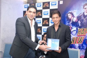 Khalid Wani, Director, India, Middle East and Africa, WD with Shah Rukh Khan at the meet and greet