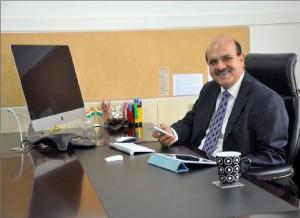 Mr. Bali - Desk