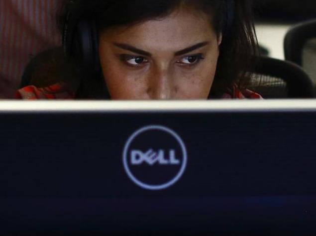 woman using dell laptop