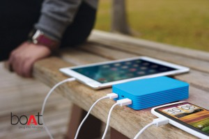 BPR112 Power Bank (Lifestyle Showing 2 Charge) - Blue