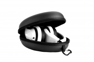 BTHS800-White Headset in case