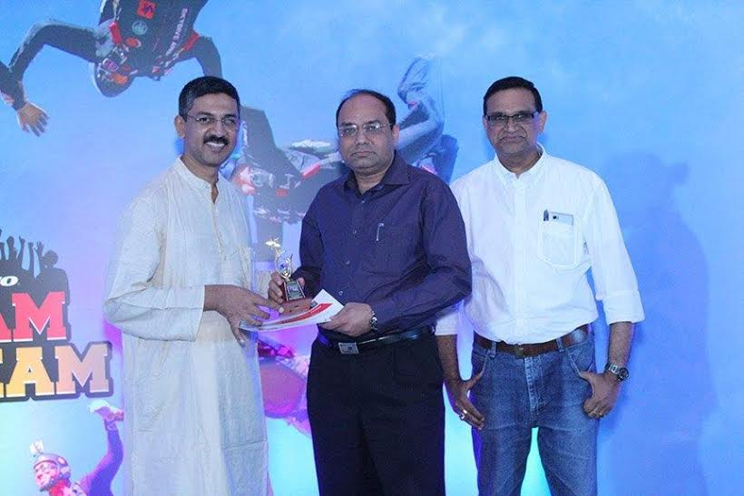 SC receving Lenovo Top Partners award