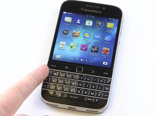 blackberry classic hands