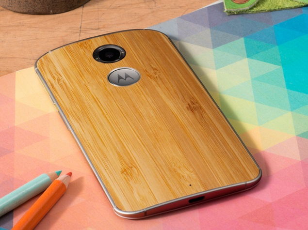 moto x gen2 wood back press image