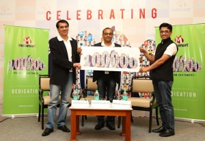 Dinesh Gulati, Dinesh Agarwal and Brijesh Agarwal celebrating the milestone of achieving 1 lac paid sellers