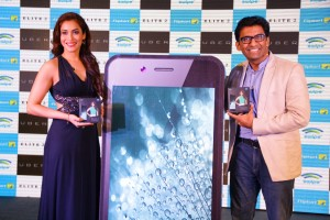 Launch of Elite 2 by Rashmi Nigam, Actress and Mr. Shripal Gandhi, Founder & CEO of Swipe Technologies (1)