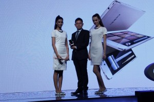 Sky Li, OPPO Global VP, MD of International Mobile Business and President of OPPO India during launch of OPPO F1