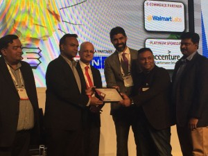 arjun-pratap-and-founding-team-of-edge-networks-recieving-the-_league-of-10_-awards-at-nasscom-emerge50-product-conclave